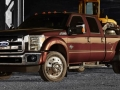 2015 Ford F-450 front angle