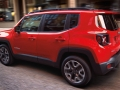 2015 Jeep Renegade side view motion