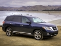 2015 Nissan Pathfinder front side
