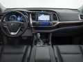 2016 Toyota Highlander interior front view