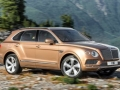 2017 Bentley Bentayga side view
