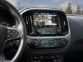 Interior 2017 Chevrolet Colorado controls