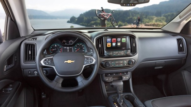 2015 Chevrolet Colorado interior front view