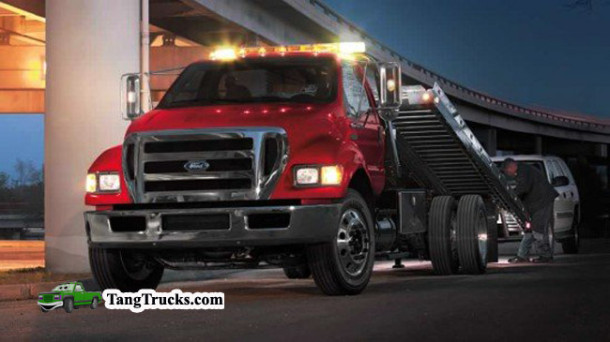 2015 Ford F-750 front