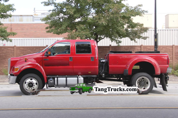 2015 Ford F-750 side