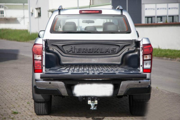 2015 Isuzu D-MAX back view