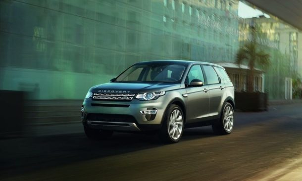 2015 Land Rover Discovery Sport front angle