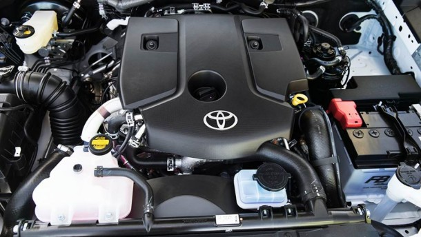 2015 Toyota Hilux engine
