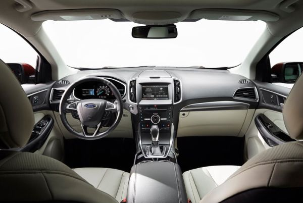 2016 Ford Edge interior back view