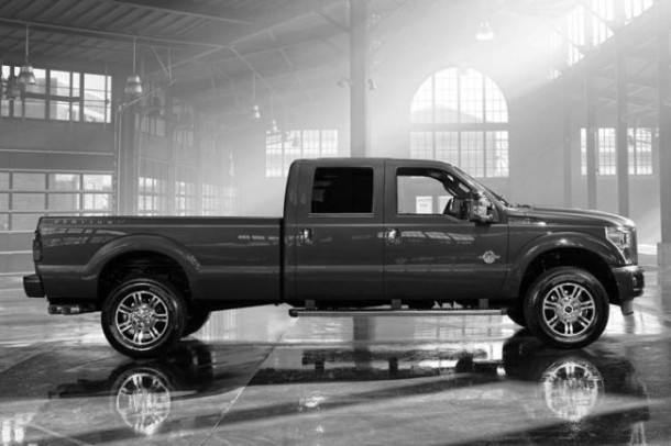 2016 Ford F-350 side