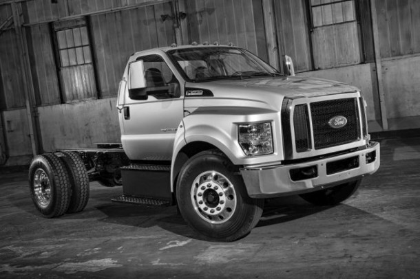 2016 Ford F-650 side