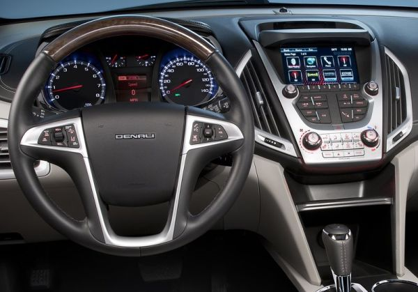 2016 GMC Terrain interior steering wheel