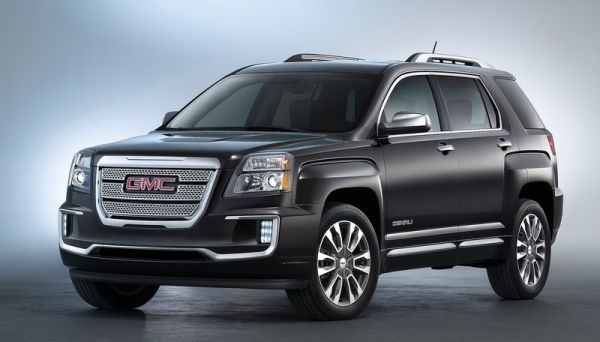 2016 GMC Terrain side angle