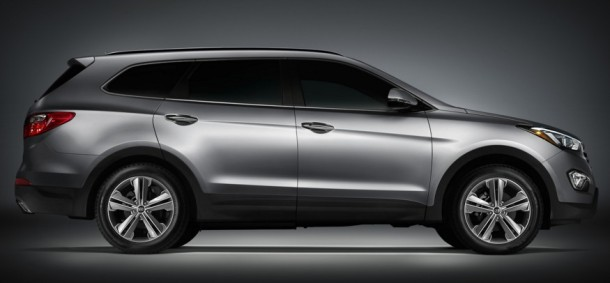2016 Hyundai Santa Fe side view