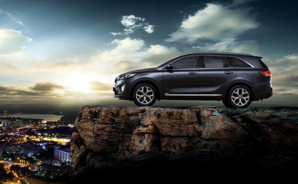 2016 Kia Sorento Side View
