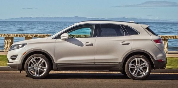 2016 Lincoln MKC side