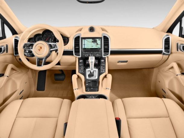 2016 Cayenne Dashboard - Source: thecarconnection.com