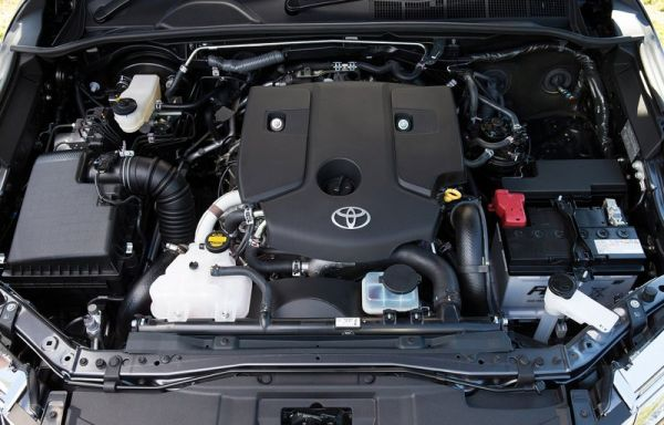 2016 Toyota Fortuner engine