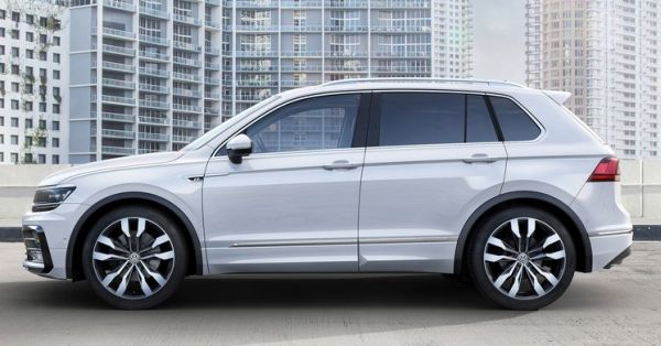2016 VW Tiguan side