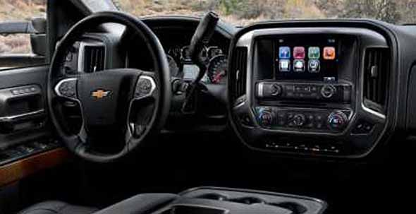 2017 Chevrolet Silverado HD interior