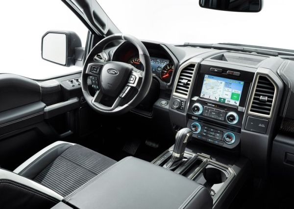 2017 Ford F-150 Raptor interior