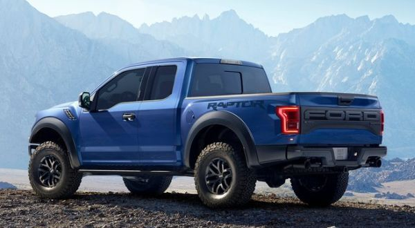 2017 Ford F-150 Raptor rear angle