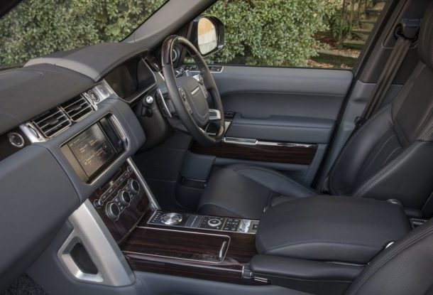 http://truckszilla.com/wp-content/uploads/2017-Land-Rover-Range-Rover-Supercharged-interior-side-610x415.jpg